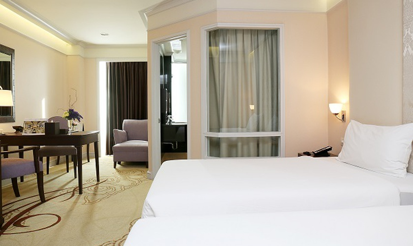 Superior room miracle grand convention hotel bangkok