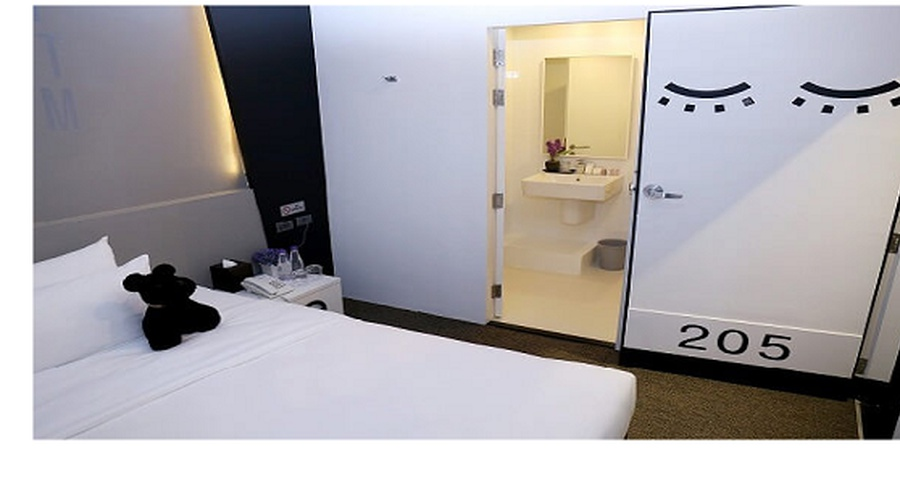 Superior Room choose 3 Hour between 9:00 PM - 6:00 AM  Sleep box by Miracle en Bangkok