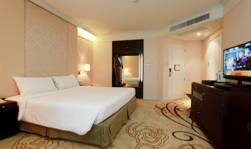 Room miracle grand convention hotel bangkok