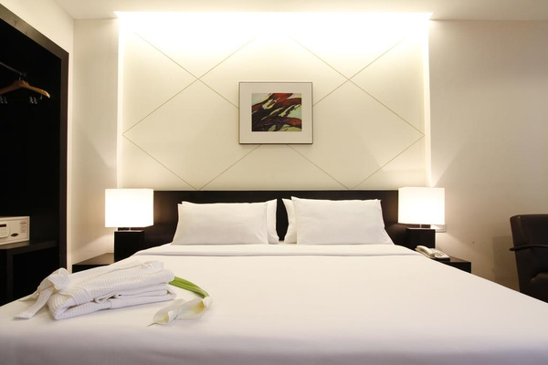 Superior Double or Twin Room - Free Airport Transfer Miracle Suvarnabhumi Airport Hotel en Bangkok