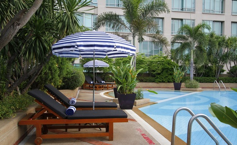OUTDOOR SWIMMING POOL Miracle Grand Convention Hotel en Bangkok