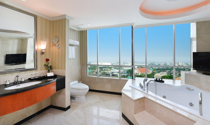Miracle suite miracle grand convention hotel bangkok